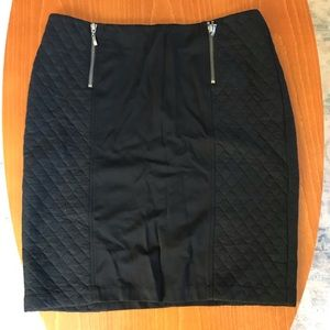 J.McLaughlin black quilted skirt NWT size 10